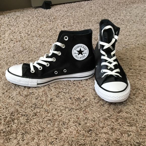 Black Velvet Converse Sneakers ◾️on hold◾️